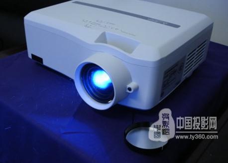 三菱推出医用投影机新品LH6580