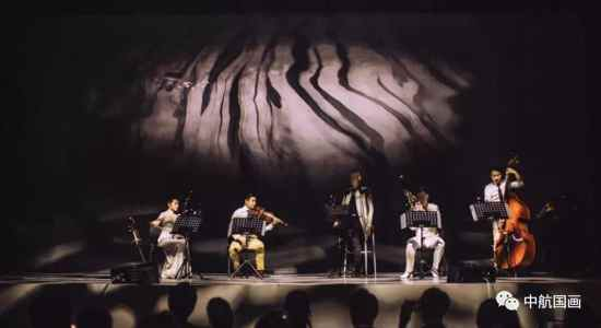 国画激光投影为《东去西来》沈阳巡演提供完美舞台