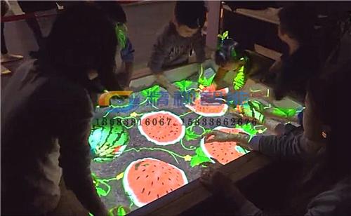 投影机互动沙滩01